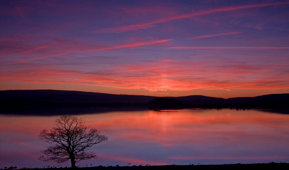 Malham_Tarn_Sunset.jpg