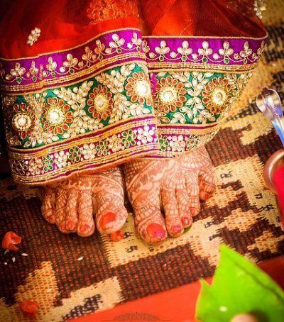 henna feet square small.jpg