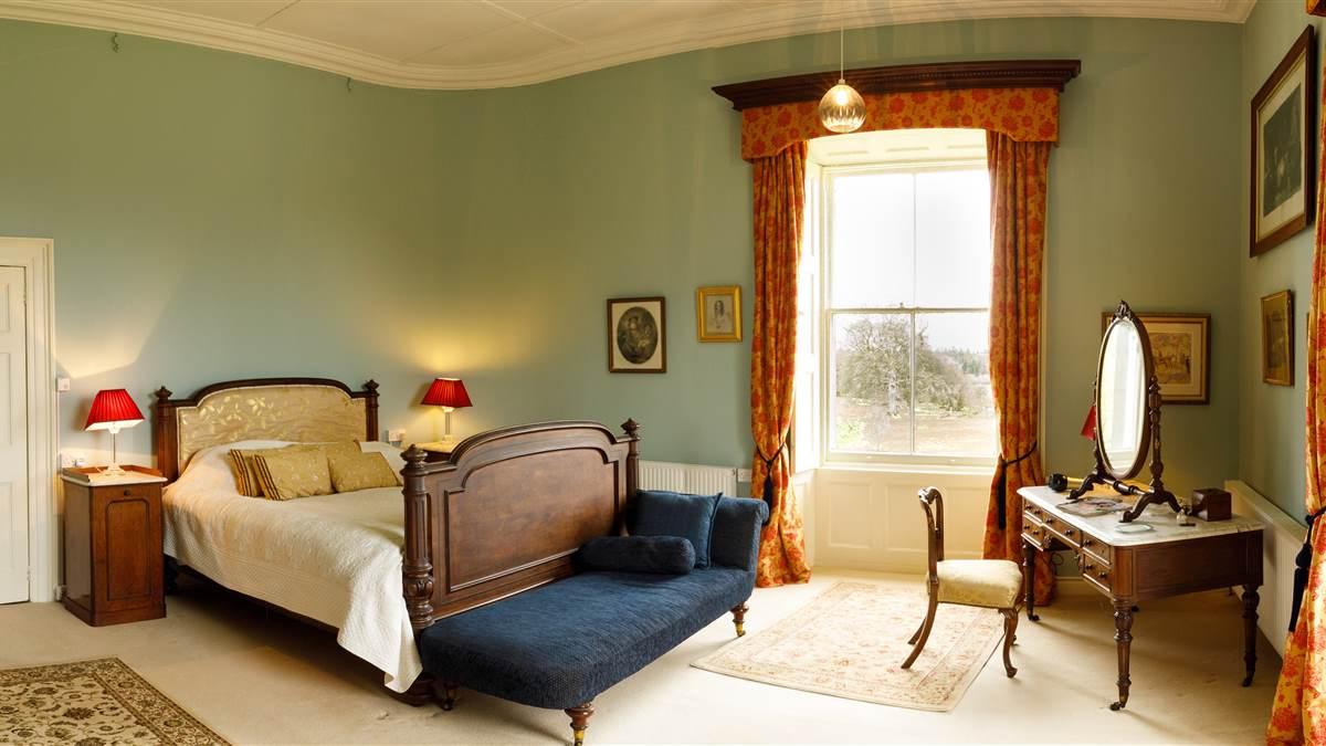 rwmple house bedroom.jpg
