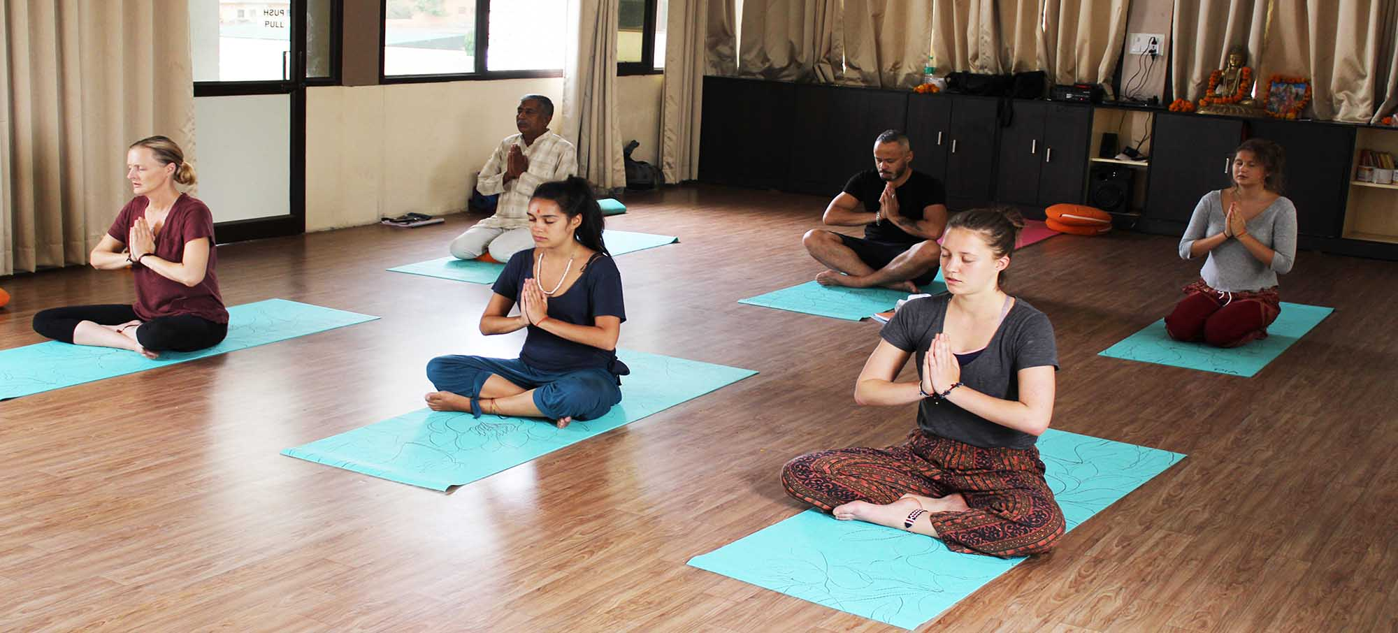vishwa_shanti_yoga_school.jpg
